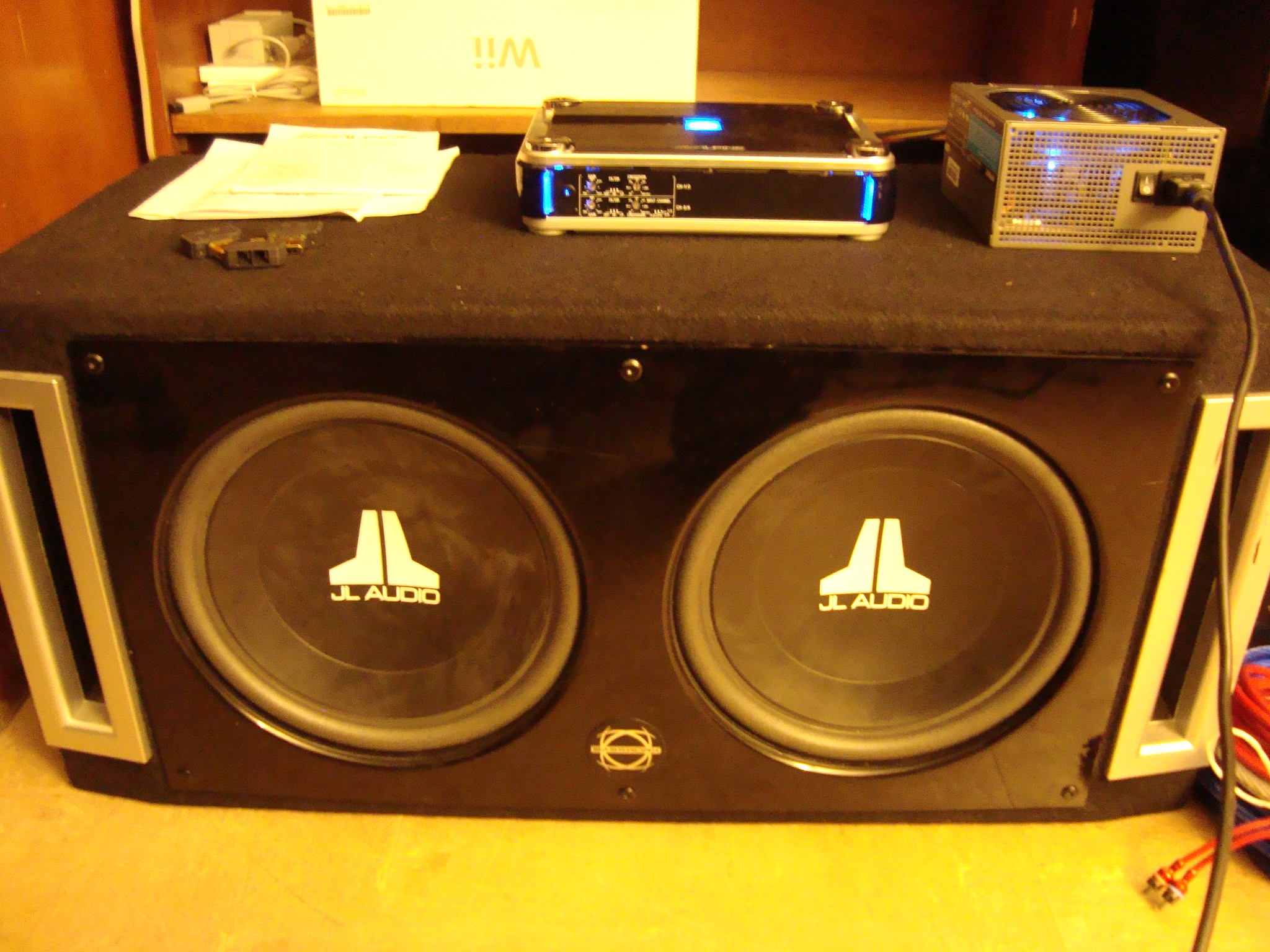 Hook up amp and subs in car